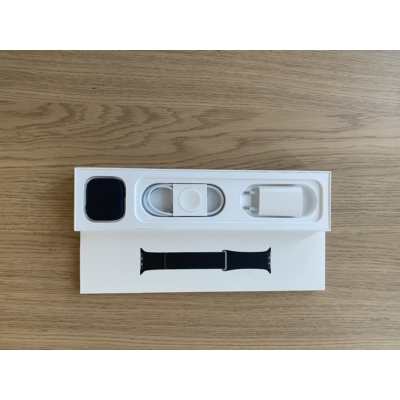 Apple Watch Series 5 44mm Space Gray Al. Case Sport Band GPS, kiállított termék