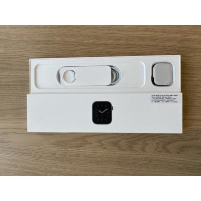 Apple Watch Series 6 40mm Wifi + Cellular Space Gray Al. Black Sport Band, kiállított termék